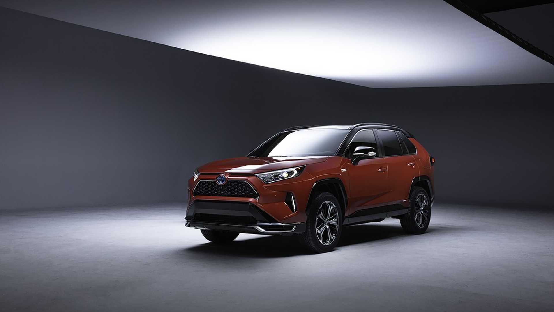 Toyota RAV4 получит мощную заряженную версию