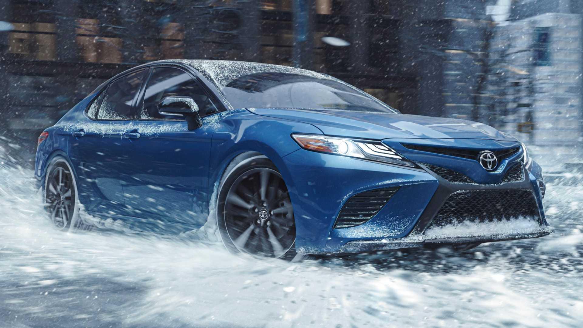 Новую Toyota Camry 2020 подготовили к украинским зимам