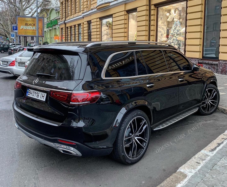 В Украине засняли новейшие внедорожники Mercedes