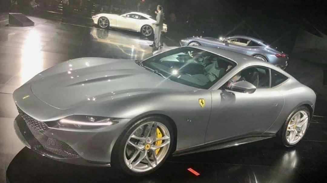 Живые фото и подробности самого дешевого суперкара Ferrari