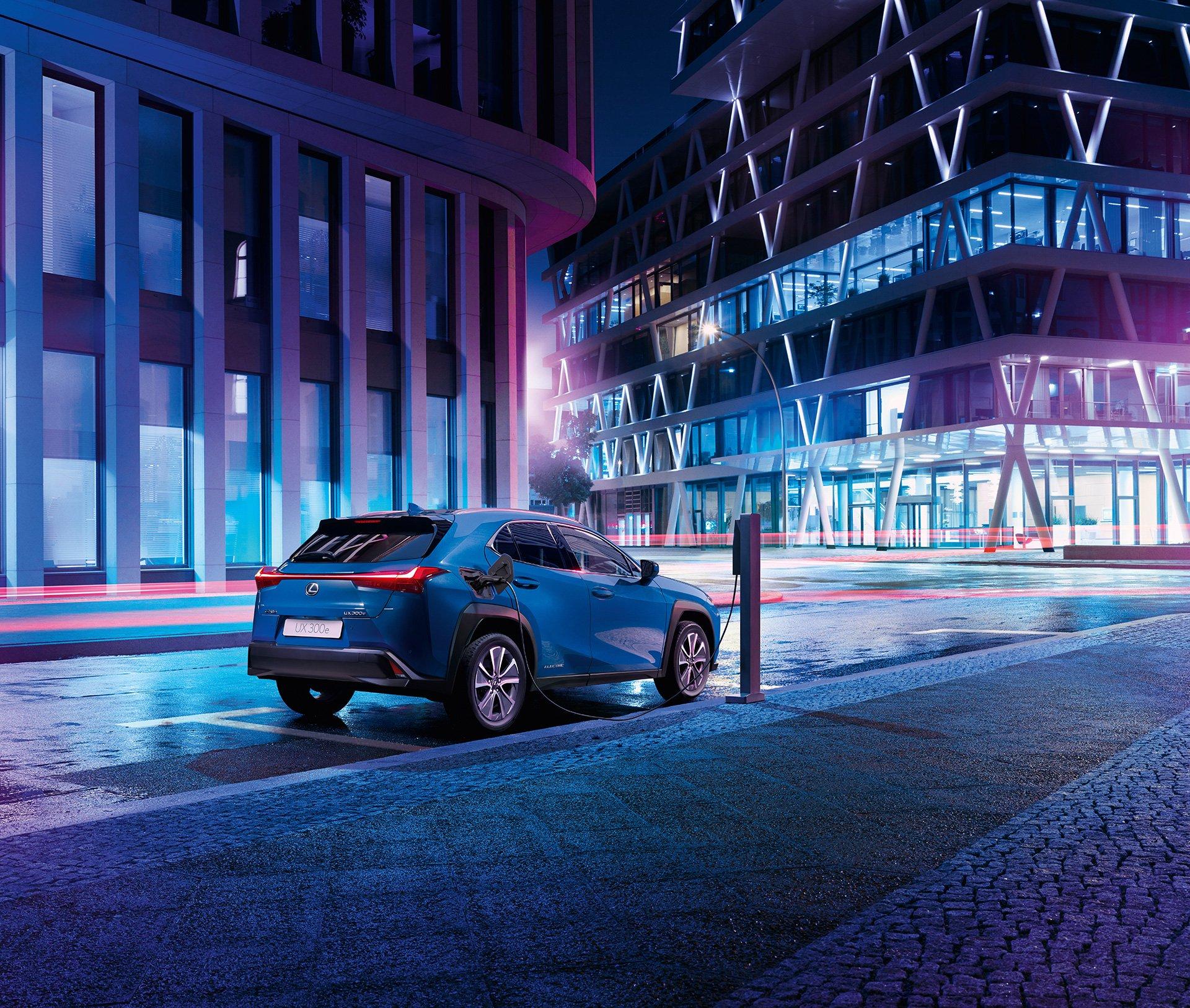 Официальные фото первого электромобиля Lexus
