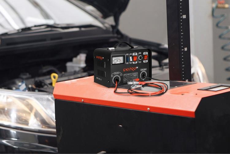 Как выбрать автомобильное зарядное устройство: советы перед покупкой