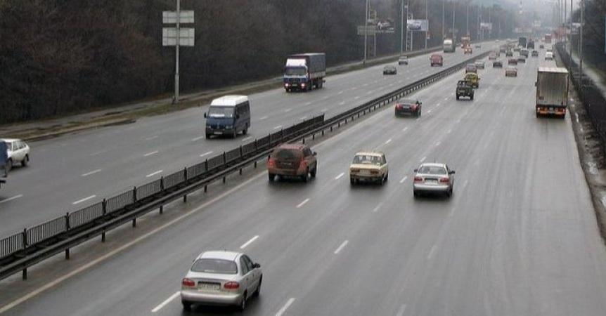В Киеве водитель промчался со скоростью 300 км в час