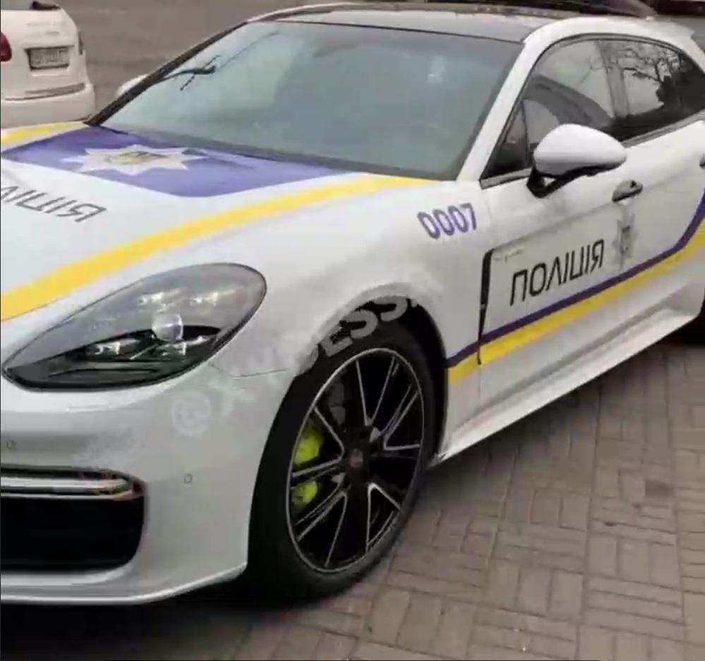 Как в Дубае: в Украине засняли полицейский Porsche Panamera