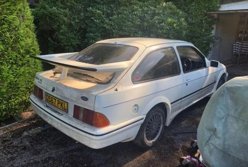 Потрепанный Ford Sierra продали с аукциона по цене новой семерки BMW