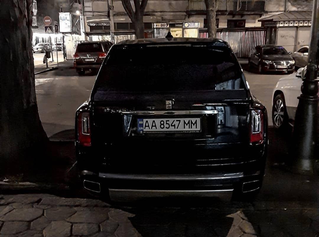Украинцы активно скупают самые дорогие внедорожники в мире