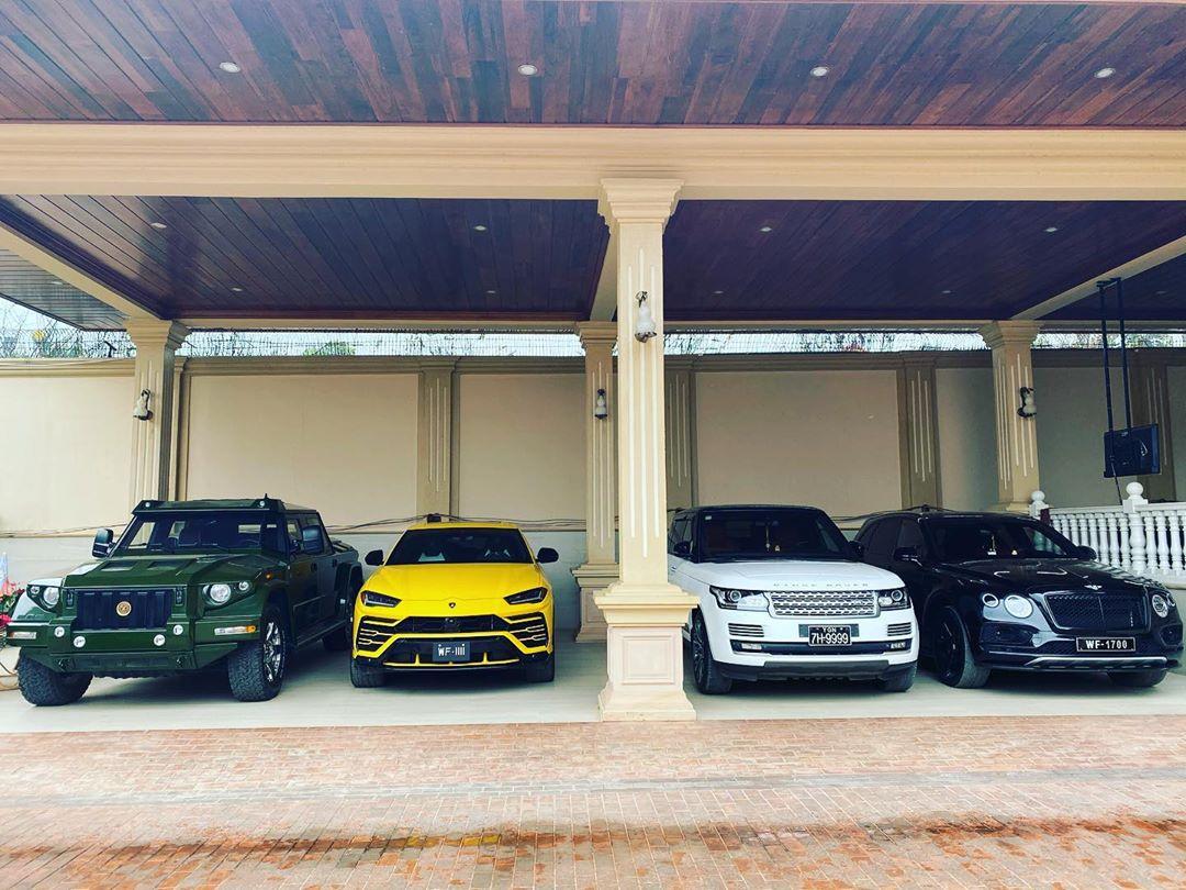 Новость одной картинкой: крутой гараж любителя элитных внедорожников