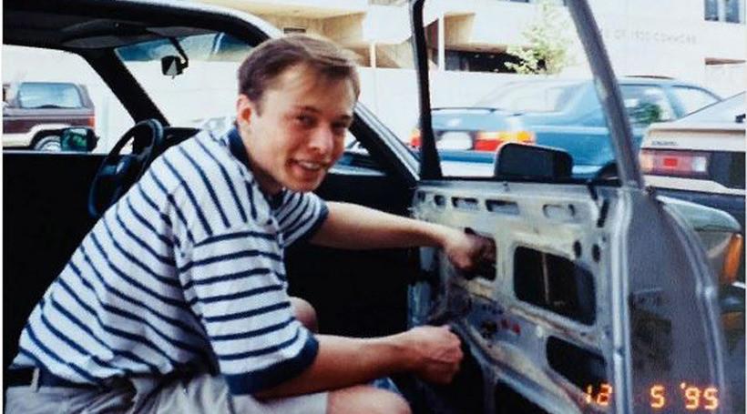 Илон Маск рассказал про свой первый авто
