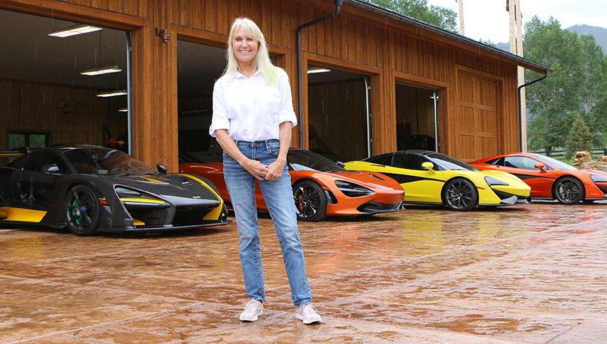 Блондинка показала свою впечатляющую коллекцию суперкаров McLaren