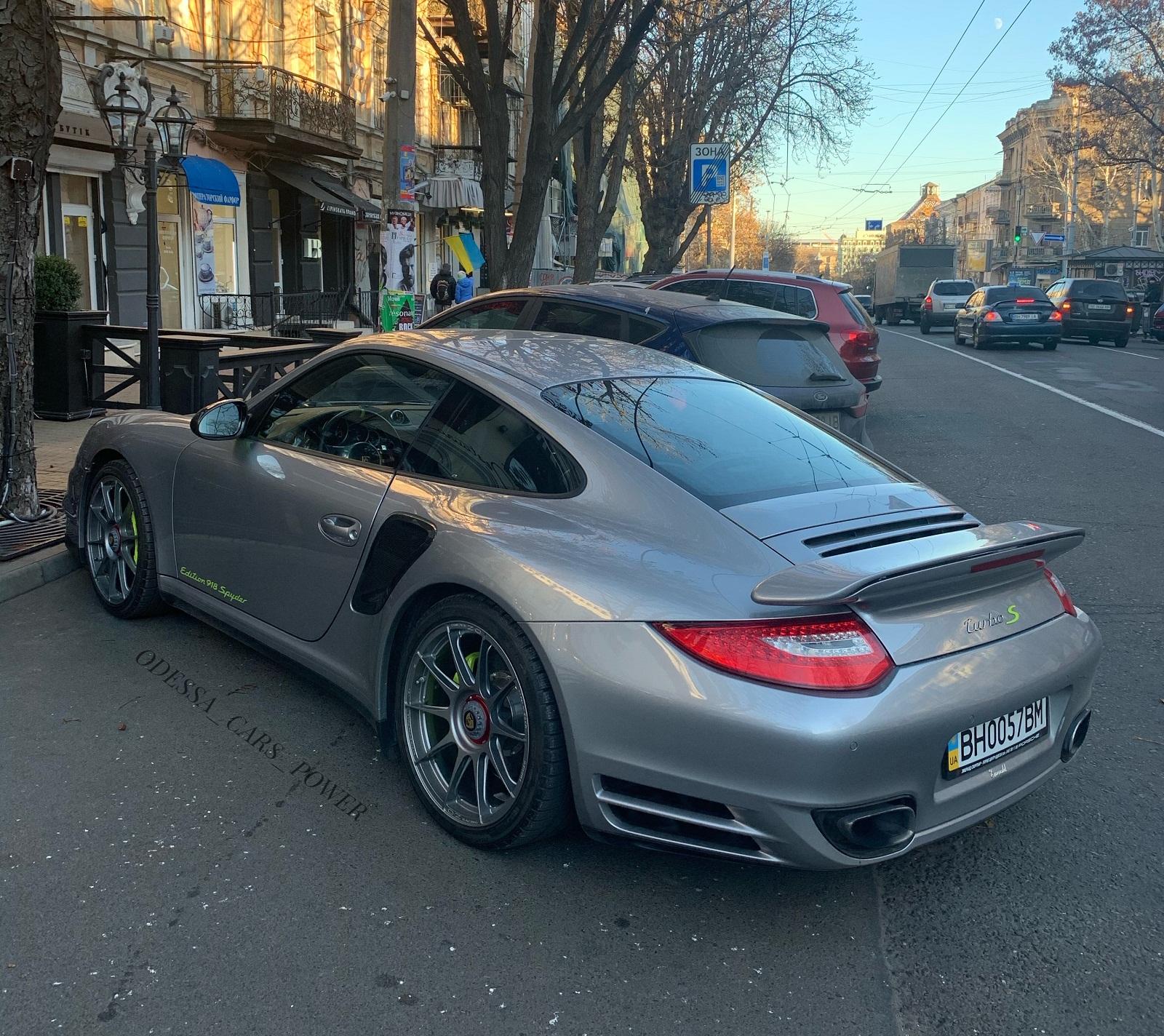 В Украине засняли редчайший Porsche 911 Turbo лимитированной серии