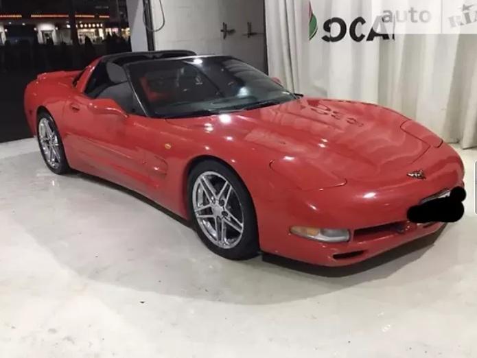 В Украине продают культовый американский спорткар 90-х