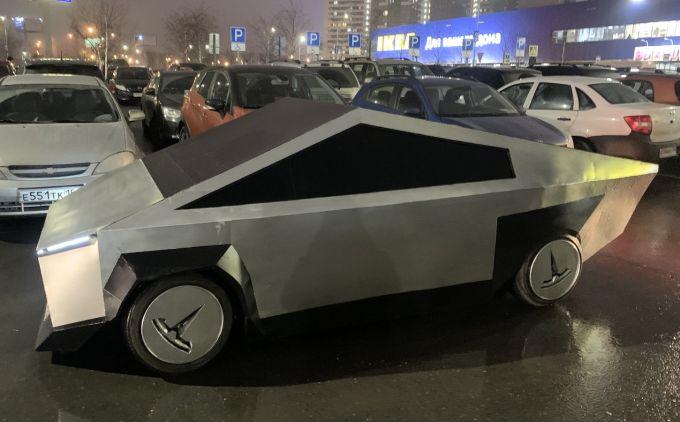 Первый клон Tesla Cybertruck заметили на дороге (видео)