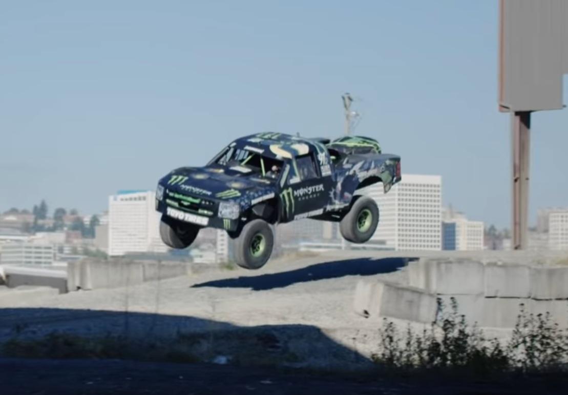 Recoil 3 – безумные покатушки на 800-сильном монстре Trophy Truck