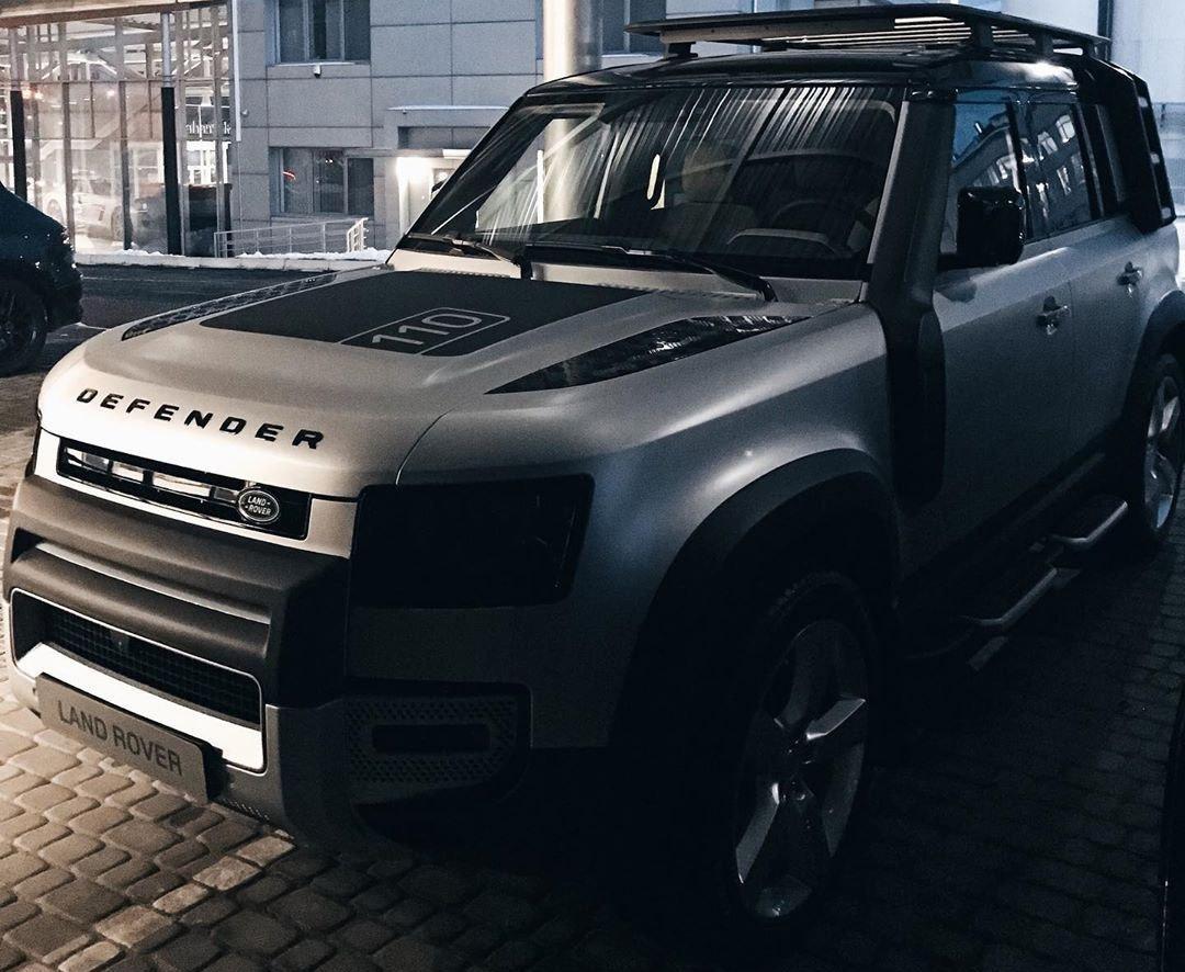 В Украине появился новейший Land Rover Defender 2020