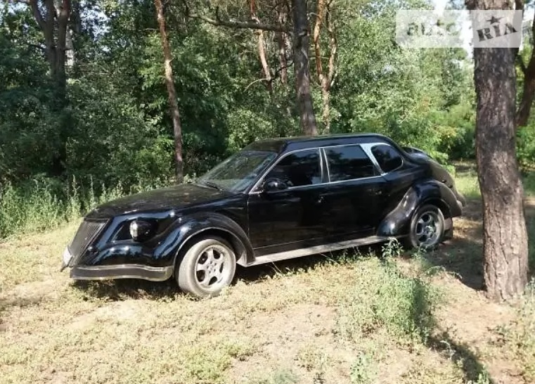 В Украине выставили на продажу очень стремный автомобиль
