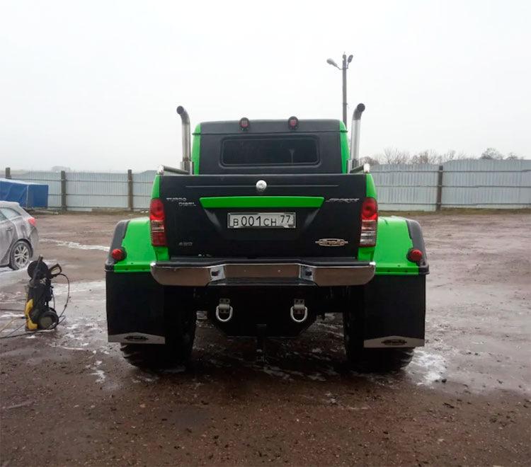 Старый ГАЗ-66 превратили в громадный пикап в американском стиле