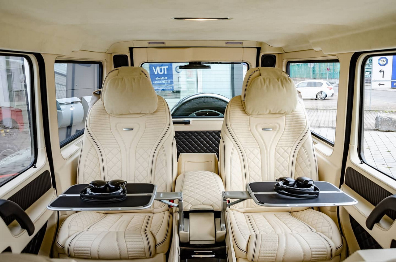 На продажу выставили уникальный лимузин Гелендваген