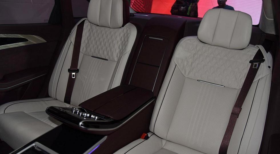 Китайцы представили крутой клон Rolls-Royce по цене Кемри