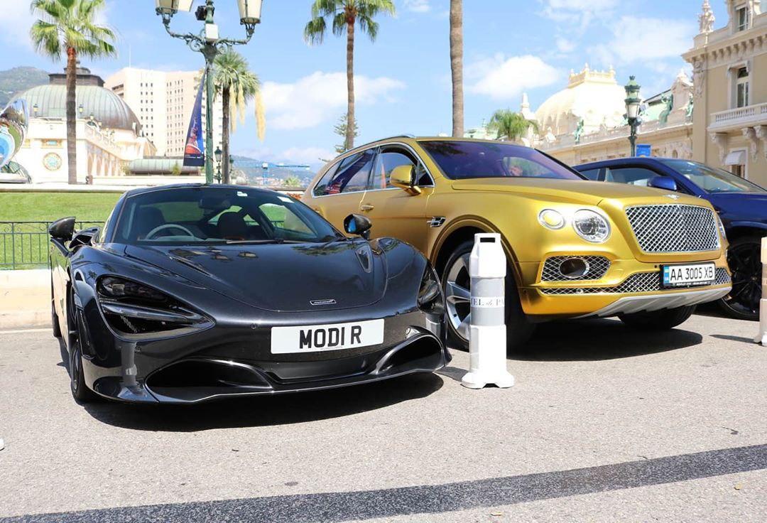 Позолоченный Bentley на украинских номерах засняли в самом злачном уголке Земли