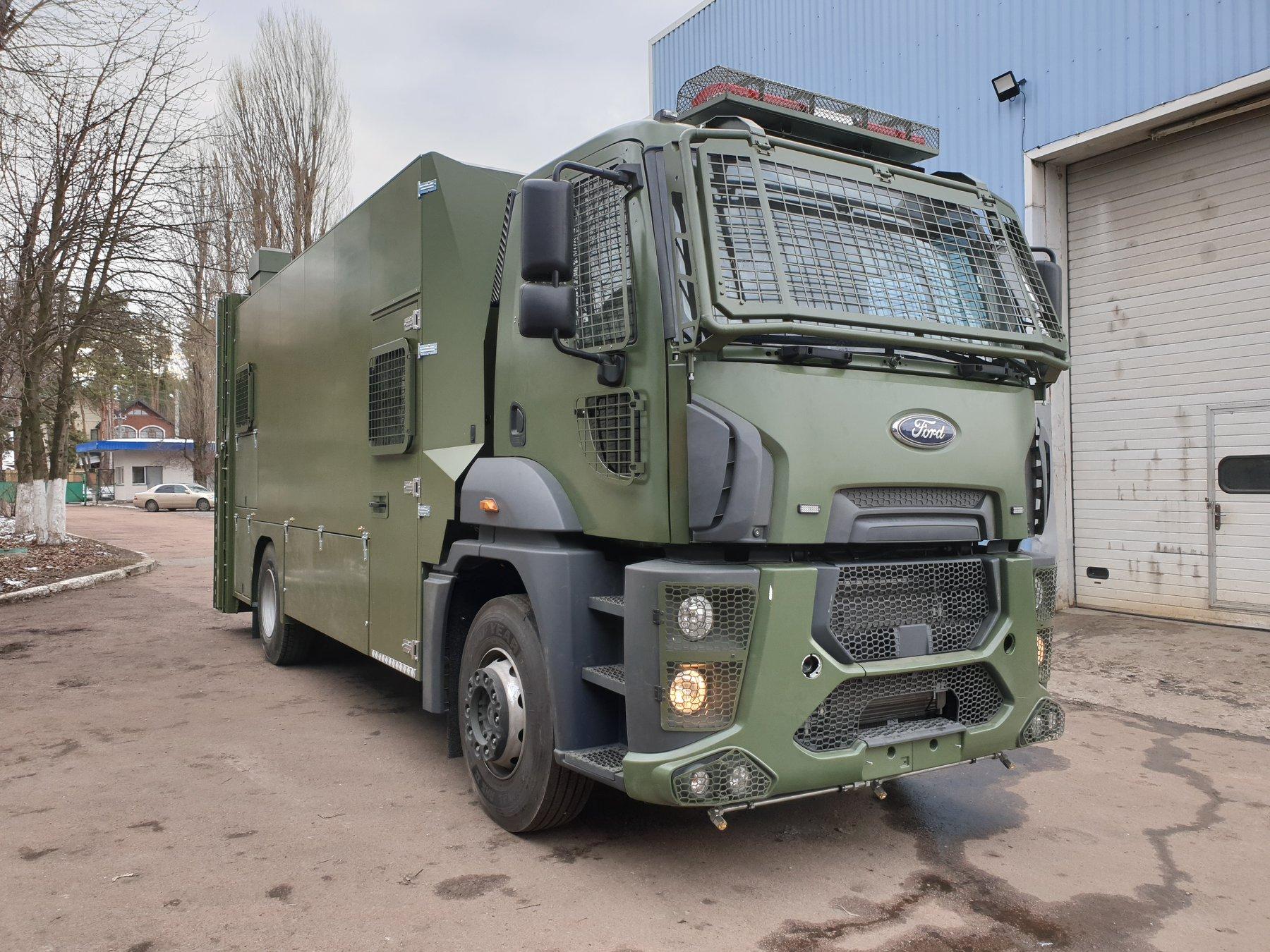 Украине начала экспорт уникальных полицейских авто