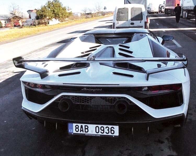 В Украине заметили самый быстрый и самый крутой суперкар Lamborghini