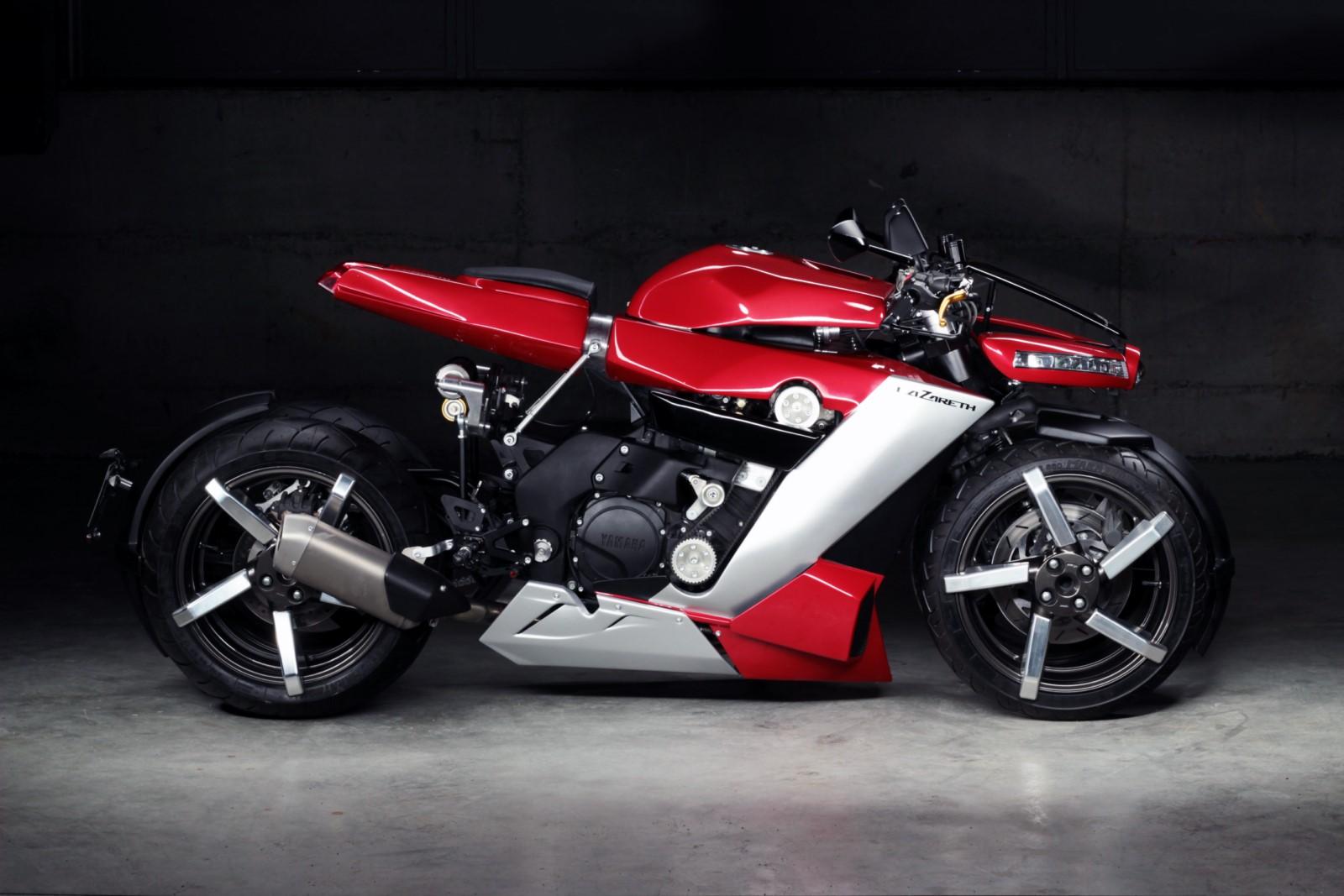 Спортбайк Yamaha превратили в безумный четырехколесный мотоцикл