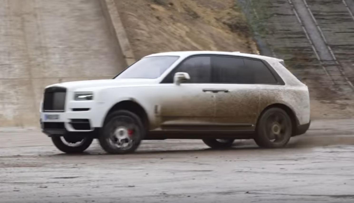 Внедорожник Rolls-Royce продемонстрировал зрелищный дрифт (видео)