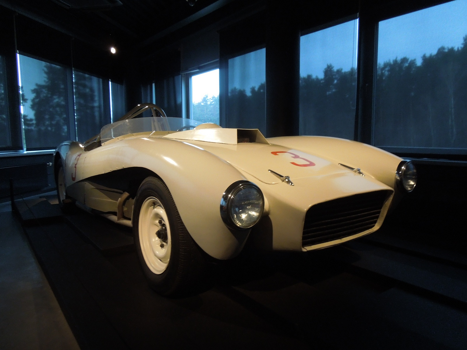 Уникальный советский суперкар ЗИЛ, о котором мало кто знал