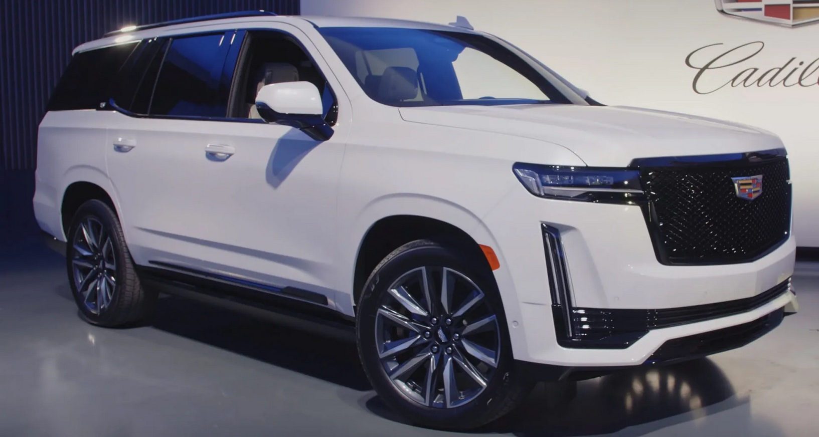 Новый Cadillac Escalade 2021: живые фото и обзор большого внедорожника