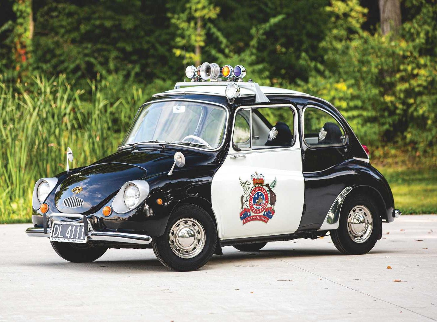 На продажу выставлен самый необычный полицейский авто всех времен