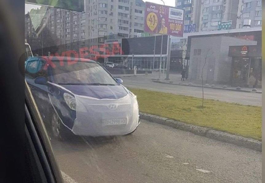 В Украине заметили карантинный автомобиль (фото)