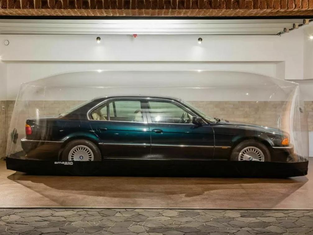 Как выглядит автомобильная капсула времени в прямом смысле (фото)