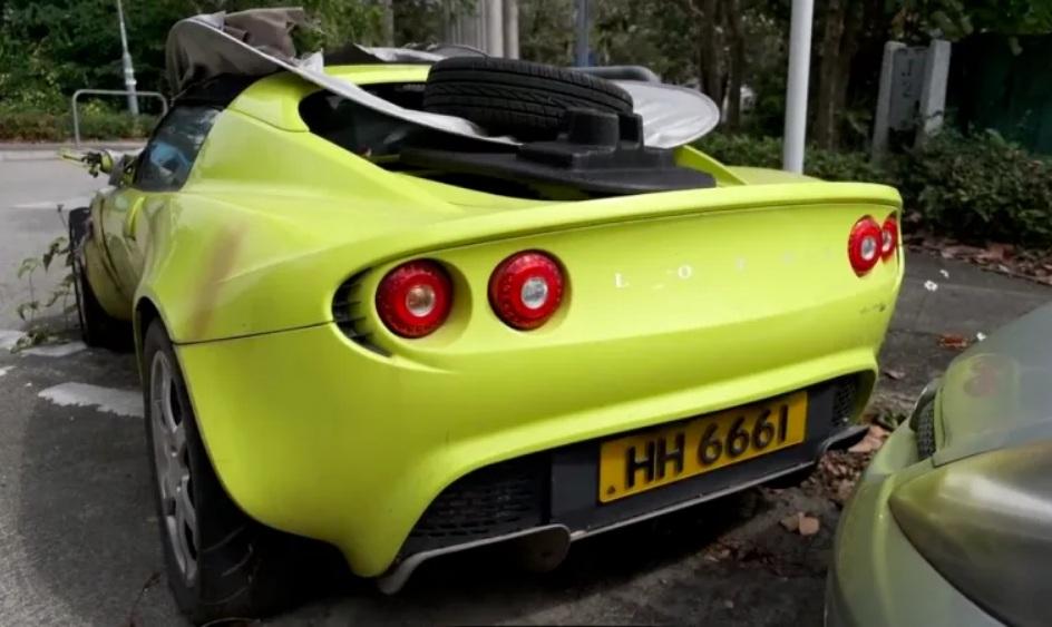 Какие редкие спорткары можно найти на китайских автосвалках (видео)