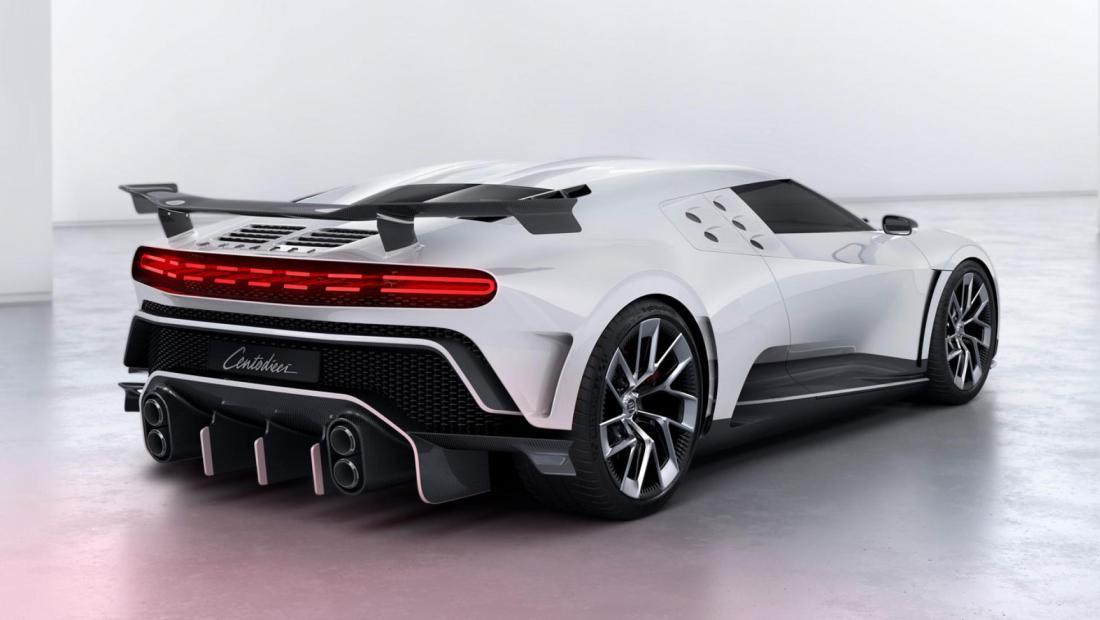 Криштиану Роналду купил крутой гиперкар Bugatti по цене самолета