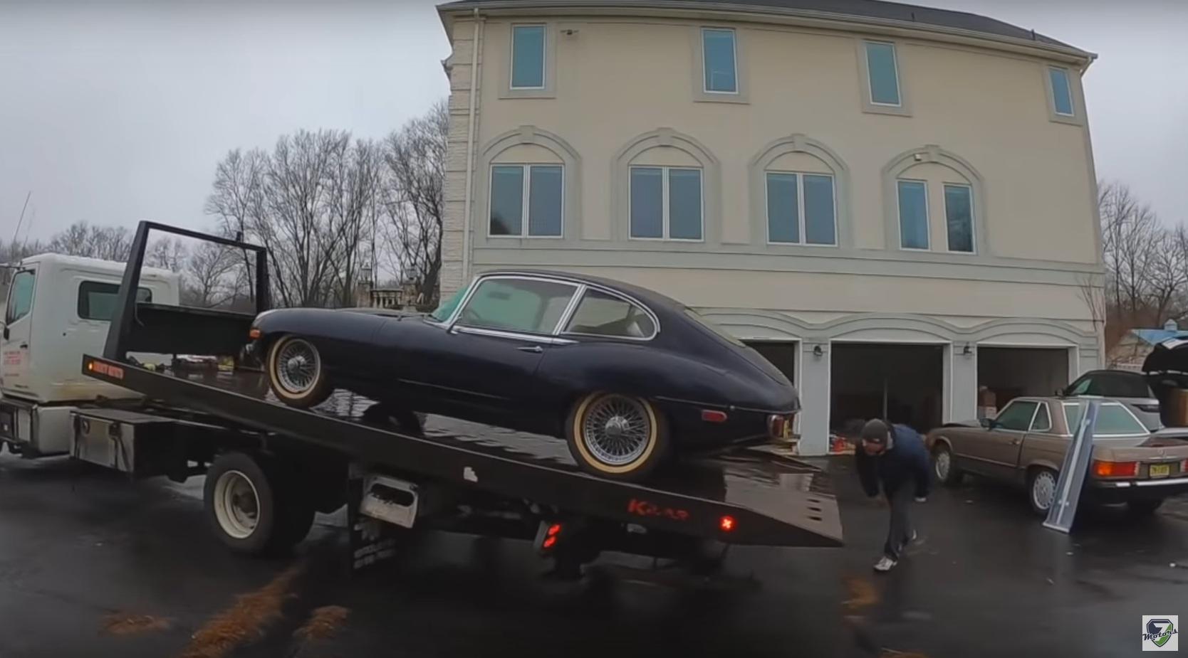 Украинцы обнаружили в США коллекцию заброшенных ретро-авто