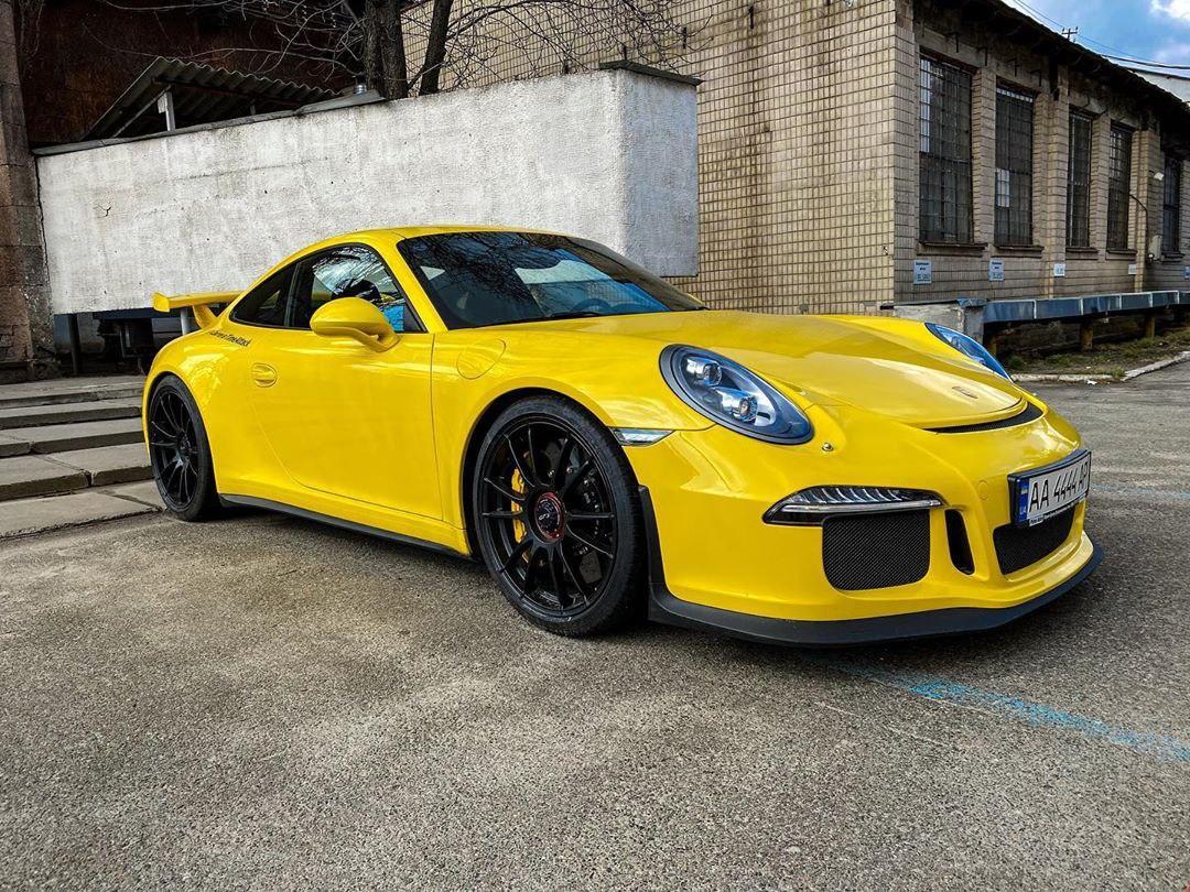 В Киеве засветился экстремальный спорткар Porsche 911 GT3