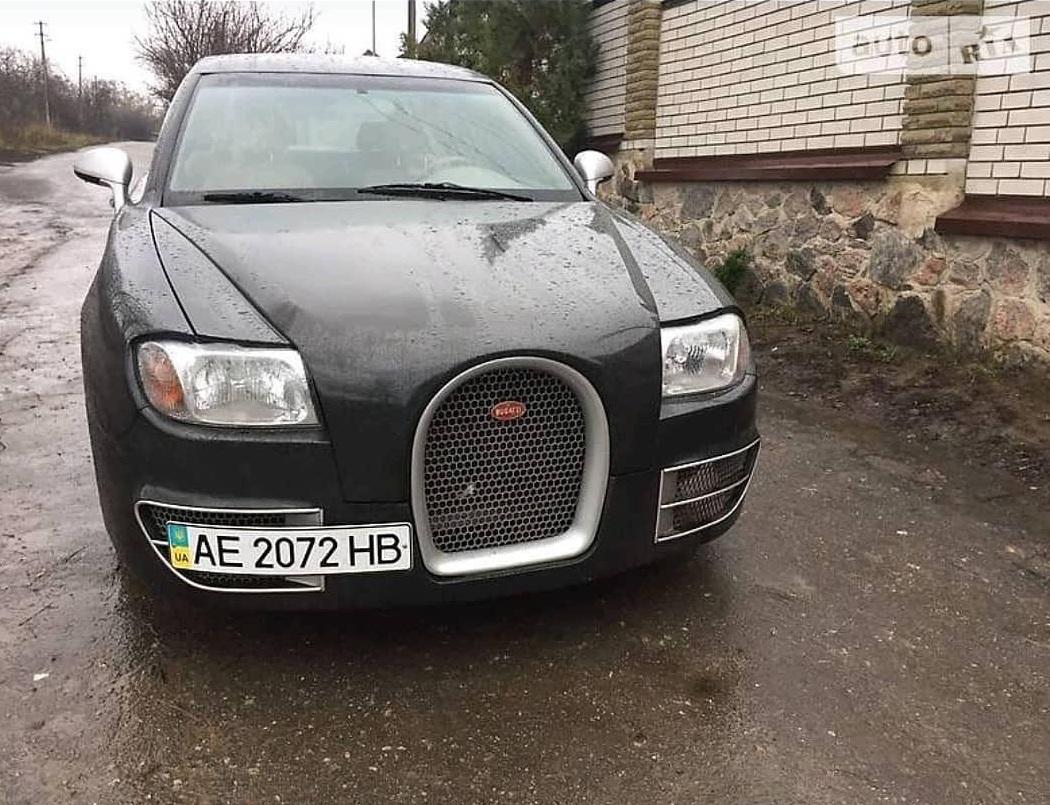 В Украине продают единственный в мире седан Bugatti ручной работы