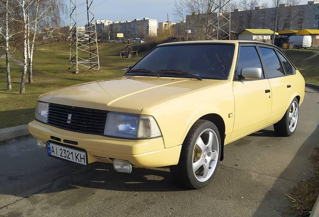 Старый Москвич превратили в 300-сильный спорткар