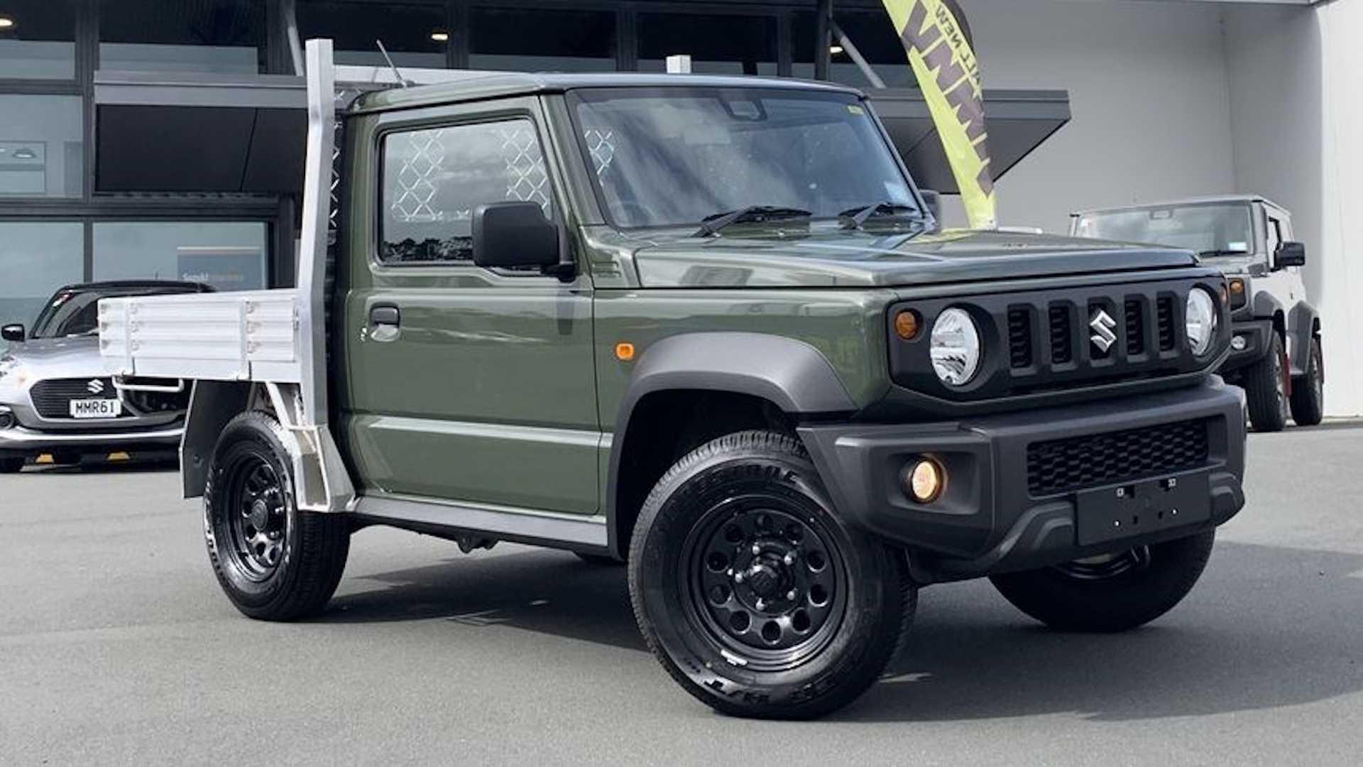 Первые фото нового пикапа Suzuki Jimny