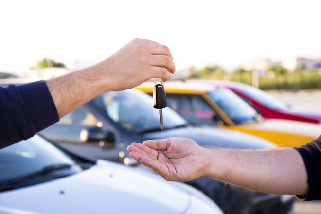 Рынок новых авто в Украине обвалился до уровня 50-летней давности