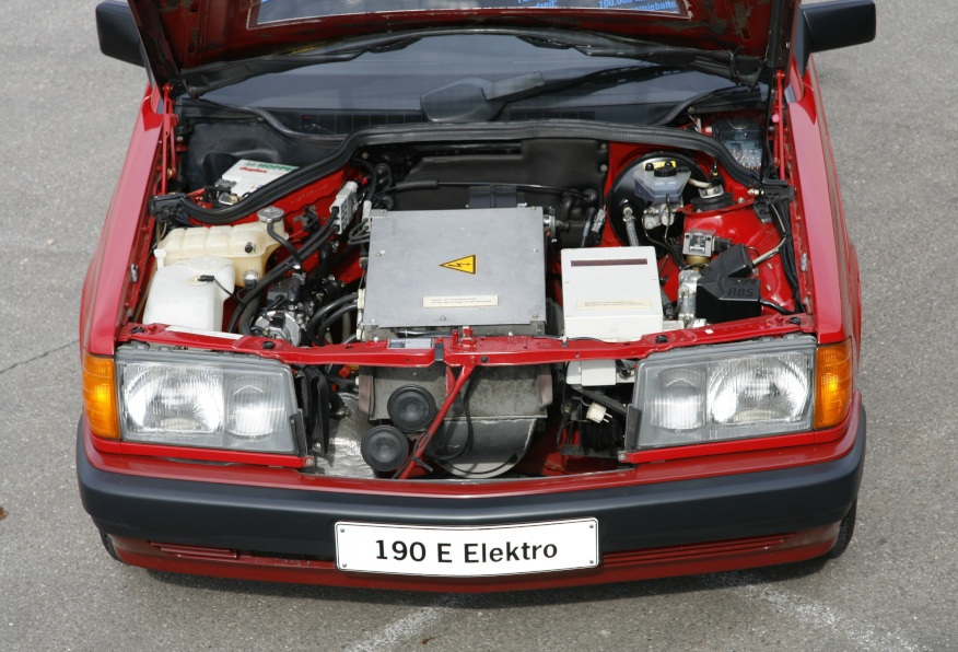 Уникальный электромобиль Mercedes 190, о котором мало кто знал