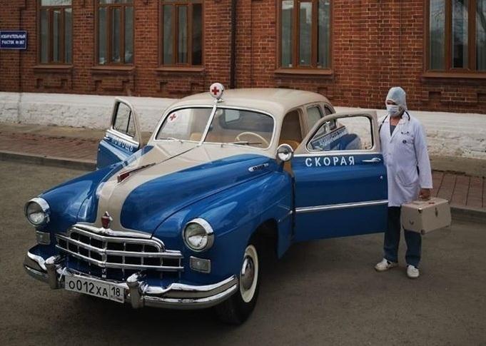 Владелец раритетной скорой помощи отдал ее для борьбы с коронавирусом