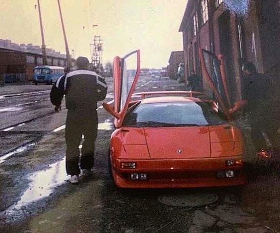 В интернет попало эксклюзивное фото украинского Lamborghini из 90-х