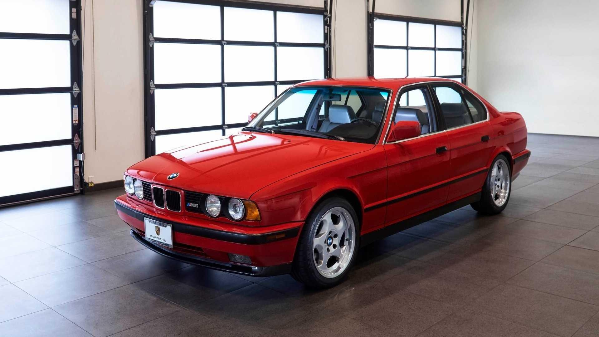 Старую 30-летнюю пятерку БМВ продают по цене нового BMW X5