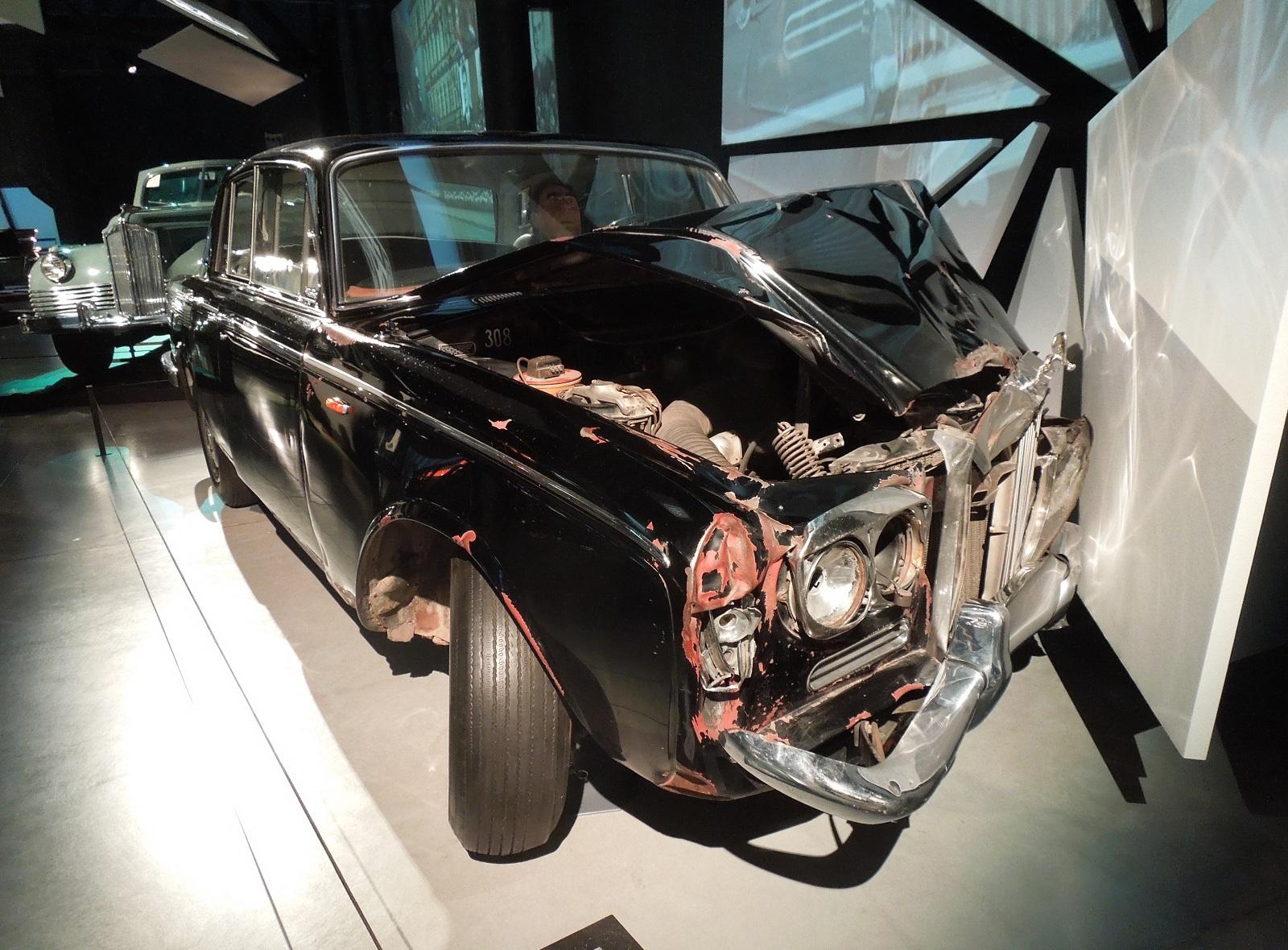 Какие суперкары и элитные авто были у советских вождей
