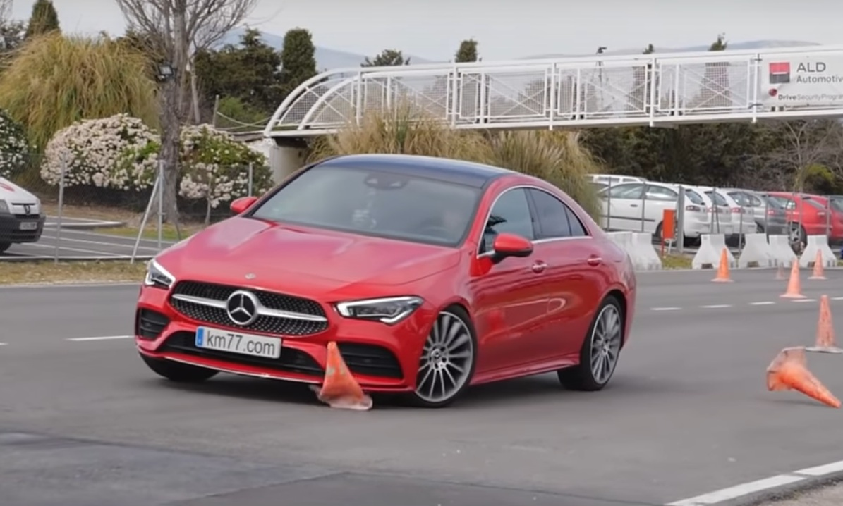 Новейший Mercedes CLA провалил лосиный тест (видео)