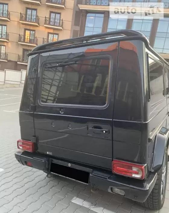 В Украине продают редчайший удлиненный лимузин Мерседес Гелендваген