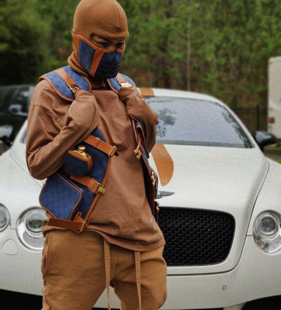 Какие защитные маски носят владельцы суперкаров