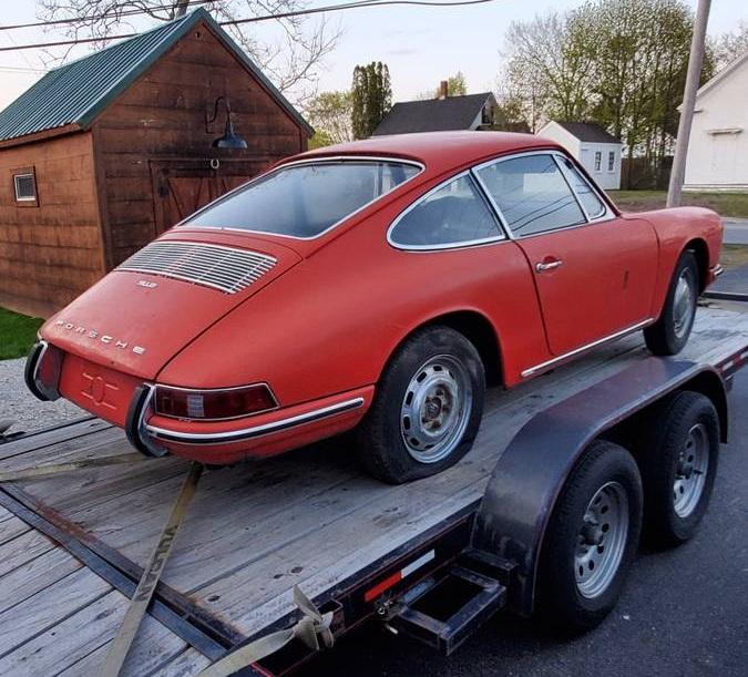 Классический спорткар Porsche продают по цене нового Логана
