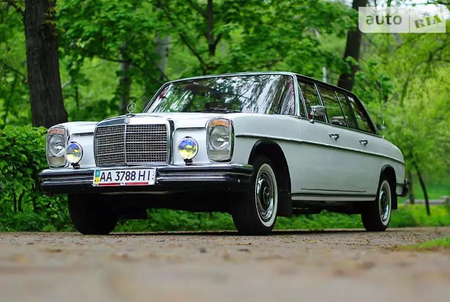 В Украине продают редчайший 40-летний лимузин Mercedes